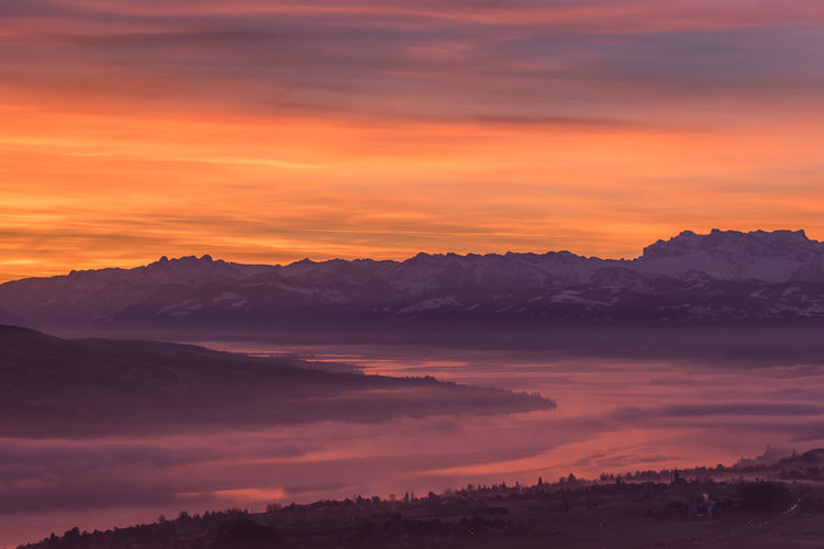 Sunrise on lake of Zürich and the Swiss alps Alps Dramatic Sky Lake Landscape Mountain Nature Nikon Nikon D750 Romantic Sky Sunrise Swiss Alps Switzerland Tranquility Travel Traveler Traveling Travelphotography
