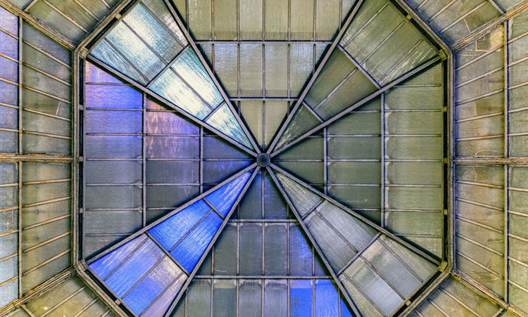 Architectural Feature Architecture Backgrounds Built Structure Ceiling Day Design Diminishing Perspective Directly Below Full Frame Geometric Shape Indoors  Low Angle View Metal No People Pattern Repetition Roof Roof Beam Shape