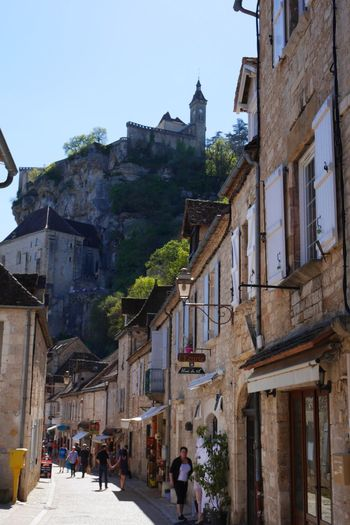 Rue de Rocamadour - Architecture Travel Destinations Old Town Building Exterior Tourism Built Structure Vacations Outdoors Day Architecturelovers Architectureporn Architecture_collection Old Town Old Architecture Architecture History