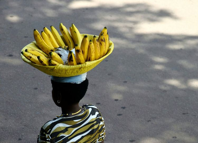 Fruit Bananas Woman Working Streetphotography Street Yellow Close-up Adventures In The City