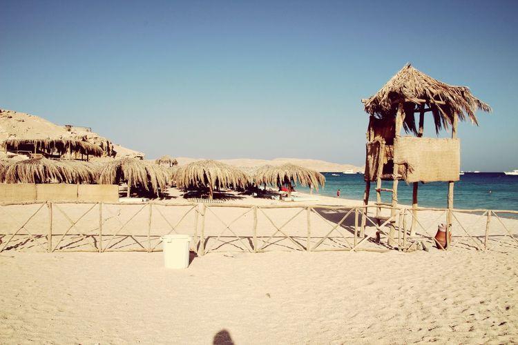 Photo by PANTI-I3R #Mahmyabeach# Island Egypt Red Sea Korallenriff Mahmya Mahmya Island First Eyeem Photo Clear Sky Nature Water Sky Land Beach Sand Sea Nature Beauty In Nature Built Structure Clear Sky Horizon Over Water