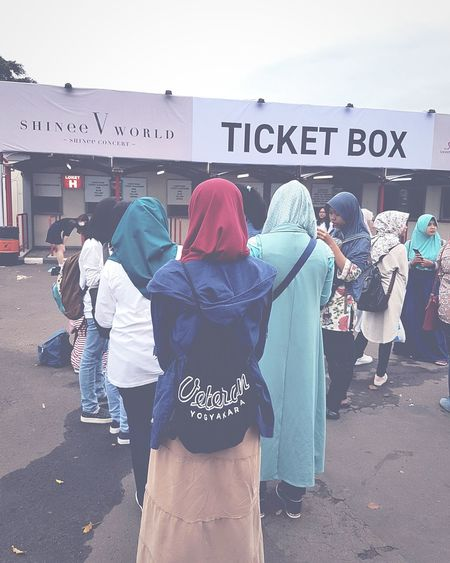 Fangirl story People Day Outdoors Concert TicketBooth Shineeworld Me Miss That Day <3 Fangirl Kpop Indonesian Connected By Travel Be. Ready. The Fashion Photographer - 2018 EyeEm Awards