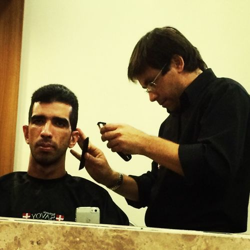 Salão e Barbearia ?, dando um jeito no cabelo e na barba com o profissional Adelino; super recomendo ?? Barba Cabelo Barbearia ManairaShopping Serviçosmasculinos