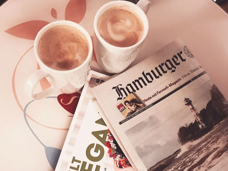 Hamburger Ecken Hamburger Zeitung Coffee Time Campus Suite Newspaper Coffee - Drink Coffee Cup Drink Food And Drink Refreshment Cup Text Latte