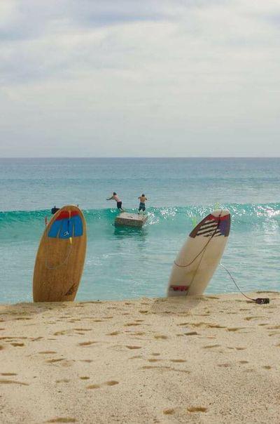 Un divertido y soleado día de playa en Costa Azul San José del cabo en Baja California Sur