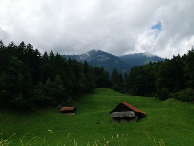 Cloud - Sky Mountain Travel Destinations Switzerlandpictures Switzerland❤️ Travel Photography Mountainview Power In Nature Beauty In Nature Beauty Mountain Range Green Color Eyembestshots