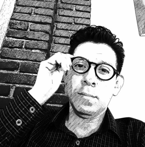 Viviendo los últimos momentos del 2016. Living the last moments of 2016. Goodbye2016 Drawingartist Drawing Me, My Camera And I One Person Portrait Real People Glasses Indoors Lifestyles Student Life One Person Me, My Camera And I Lifestyles Indoors  Glasses Art Art, Drawing, Creativity