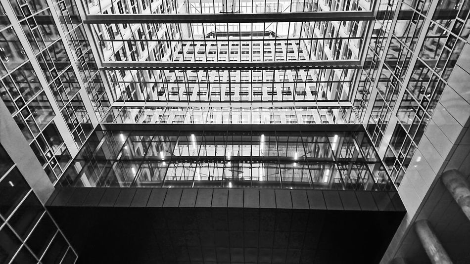 Built Structure Architecture Low Angle View No People 070 Urbanphotography City Life Urban Geometry Den Haag Blackandwhite Monochrome