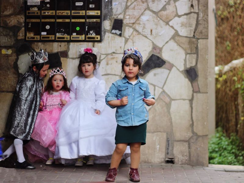 Hey! I'm the real queen here! 👸🏻 Purim Purim2016 Portrait Urban Street Eye4photography  EyeEm Best Shots Street Photography Streetphotography Costume Here Belongs To Me Israel Kids Girls The Photojournalist - 2016 EyeEm Awards The Street Photographer - 2016 EyeEm Awards Girl Power