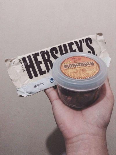 Moniegold Hershey's Cookiesandcream Surprise