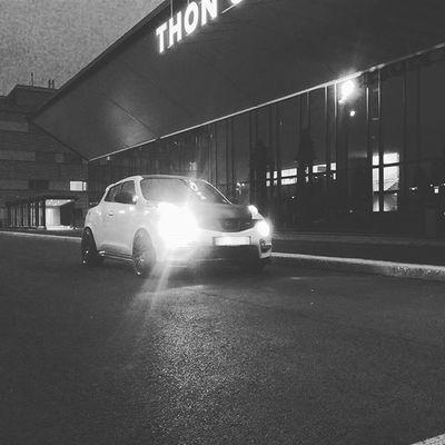 My night ride 🔴 Jukenismo Nismojuke Nissanjukeofficial Nismo  Nissanjuke Nissan Jdm Jdmbrand Stance Stancenation Nightride Slammed Slammedsuvs Lowerd Loweredlifestyle