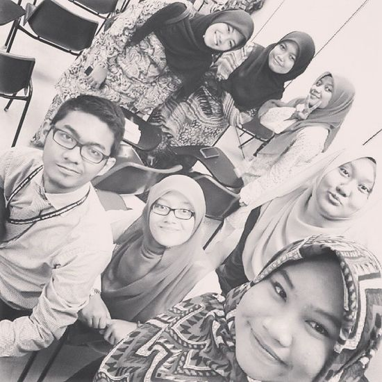 With DMA students :) DiplomaInIslamicEarlyChildhoodEducation DiplomaMultimedia &Animation IntermediateEnglish2 Iic Classmates Friends Selfie Fotorus IG Comel Cute Cantik Handsome Fun Happy