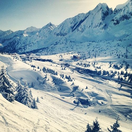 Sunny weather today at the Alps Mountains Montana Ponte Italy trip ski snowboard