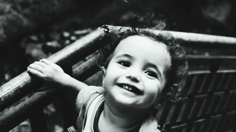 la fille Amazigh - l'enfance du haut atlas marocain Childhood Child Happiness Children Only Smiling Playground Fun Cute One Person Portrait Looking At Camera Playing People Enjoyment Leisure Activity Outdoors Day Outdoor Play Equipment Girls Innocence