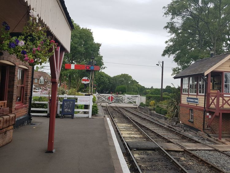Tenterden Town Station K&ESR 2017 2017 2017 Year England, UK Great Britain Kent UK Rother Valley Railway Steam Railways Tenterden Tenterden Town Tenterden UK Tenterden Steam Railway The Rother Valley Railway United Kingdom Architecture Building Exterior Built Structure Kent England Outdoors Rail Transportation Railroad Track Railway Station Sky Steam Railway Transportation Tree
