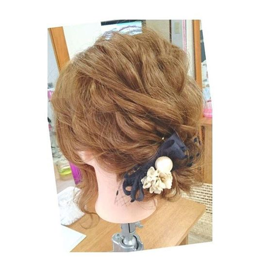 ヘアセット Hairアレンジ ヘアアレンジ Hair 美容院 錦 セットサロン 成人式 ヘアー ハンドメイドヘアアクセサリー クルリンパスティック 編み込み Byshair Locari 波ウェーブ ブライダル ツイスト 定番下目のシニヨン♡ ハンドメイドヘアアクセサリー♡