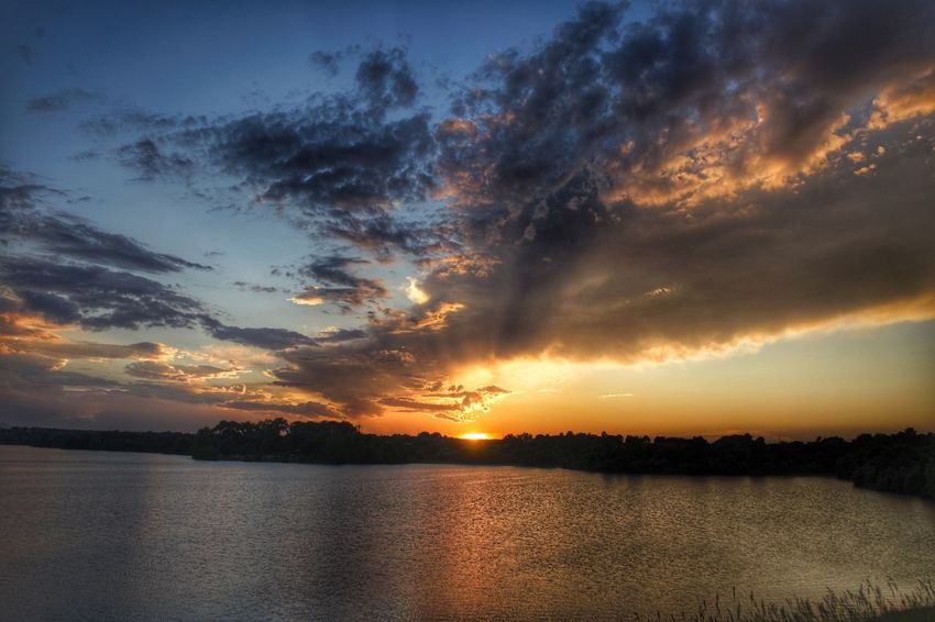 Sunset hdr Sky Water Cloud - Sky Sunset Beauty In Nature Scenics - Nature Tranquility Tranquil Scene Nature Sunlight Outdoors