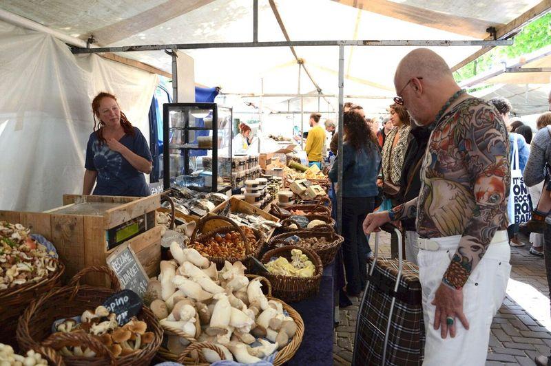 Market Market Stall Tattooed Fullbodytattoo Noordermarkt Saturday Market Noordermarkt Organic Food Organic Markets