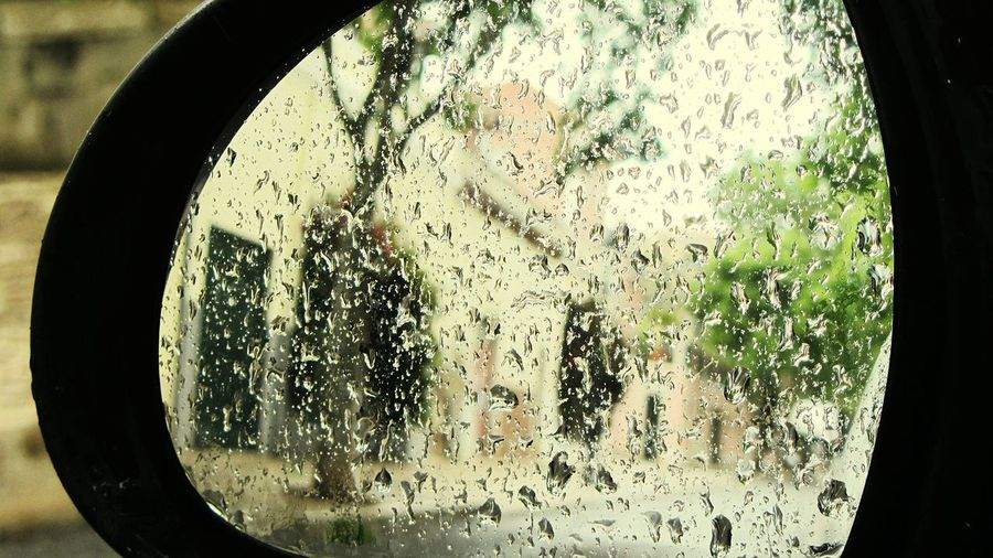 Inside my car looking to the retrovisor.. it is raining.. Retrovisor Inside My Car EyeEm Gallery Taking Pictures Taking Photos ¡Eyeem Addict! Trough The Mirrow
