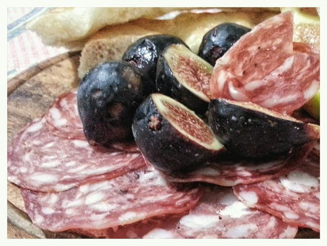 Close-up No People Indoors  Android Photography Smartphone Photography Typical Food Ready-to-eat Freshness Eyeem Edit Food And Drink Healthy Eating Food Indoors  Indoors  Salame Fichi SLICE Cross Section Figs Fruit Focaccia Alla Genovese