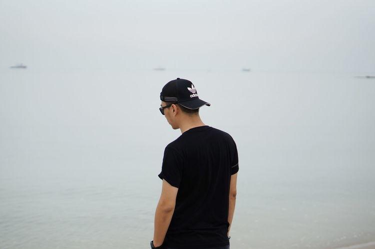 Beach Guy Looking At The Sea Man In Black Man Looking At The Sea Man On The Beach Sea Seaview Thinking
