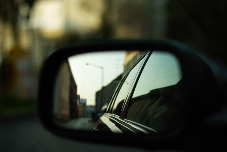 JustCruising Toyota Avensis T25 Car Mirror Reflection Street