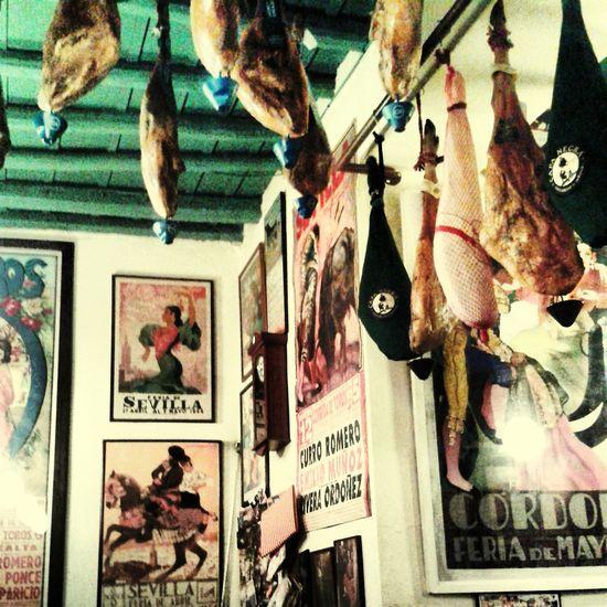 Sevilla Disfrutando De La Vida Bar Por La Tarde