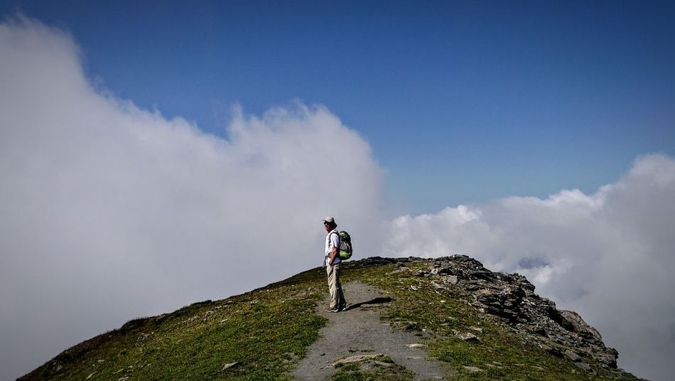 Reaching the summit of Pointe Joanne / Punta Losetta (3092m) on the border between France and Italy. Edge Of The World EpicView Reaching The Top Taking Photos Above The Clouds Summit View Sky And Clouds Cloudsporn Hello World Remote Location Adventure Buddies Lost In The Landscape