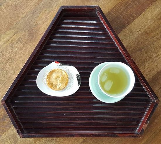 Morning tea at Gallery Shin in West End, Brisbane. Japanese  Art Gallery Brisbane Australia Garden Tea Tsuru Senbei