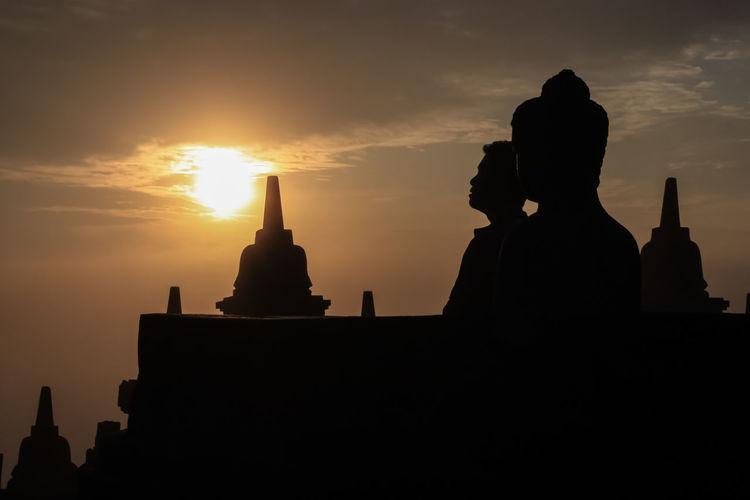 Sonnenaufgang tempel borobudur, java, indonesien