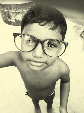 SmallOne Crazyboy Eyeglass The Street Photographer