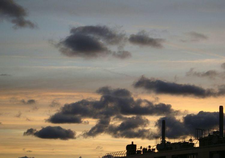 Ciel Beauté Du Ciel Nuages Calme Majestueux Couleurs Du Ciel Athmosphère Céleste