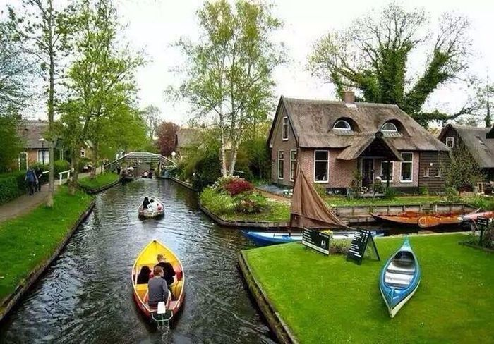 This is in Holland 💙💙 You Follow My Eye Em 💙 I Follow Back Hello World ❤ First Eyeem Photo Amazing View Very Nice 😱😱