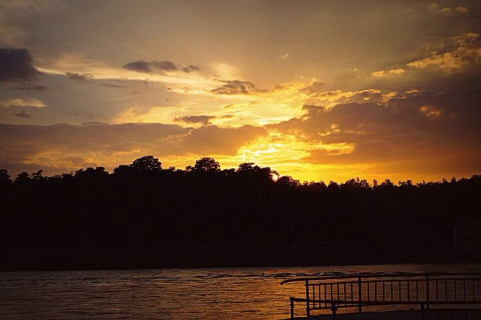 Rishikesh EyeEm Nature Lover Hello World Sunset Summermemories India Sky Relaxing Ceremony Atmospheric Mood Charming Place