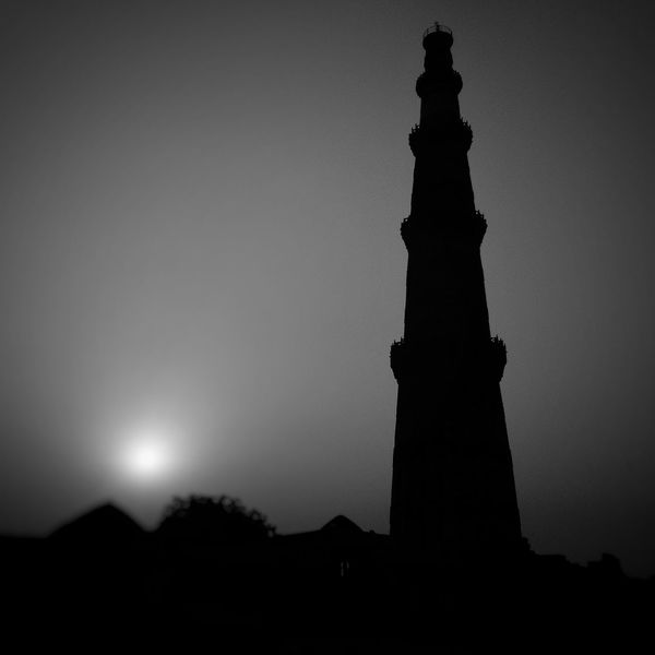 This Early Photo Of The Amazin Place I Visited... Love DelhiBlack And White Friday Night Statue Travel Destinations Silhouette Monument Architecture Outdoors No People Building Exterior Sunset History Travel Sky sculpture Moon News Event Nature City Politics And Government