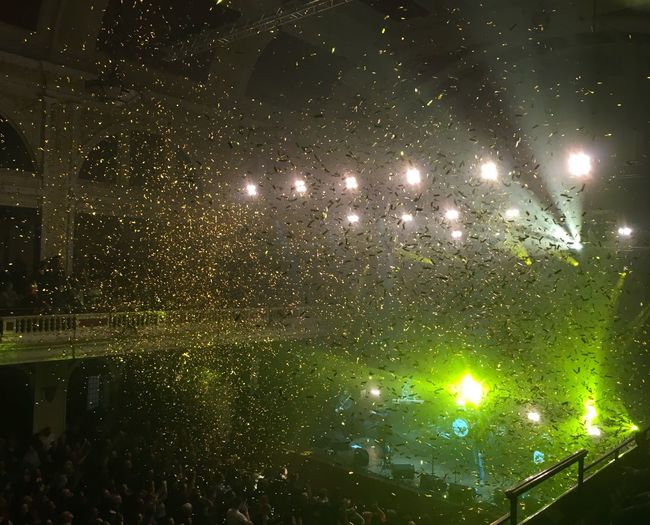 Glitter Concert Gold Ticker Tape Light Show Hull City Of Culture 2017 Hull2017 Hull GetAbsolutelyCultured Rock Concert Hull City Hall