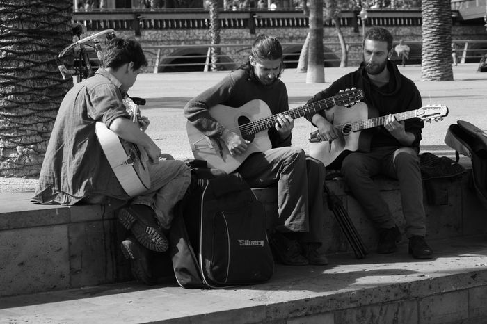 Arts Culture And Entertainment Guitar Guitar Love Guitar Player Guitarist Guitarra Jamming Music Musical Instrument Playing Plucking An Instrument Real People Sitting Togetherness