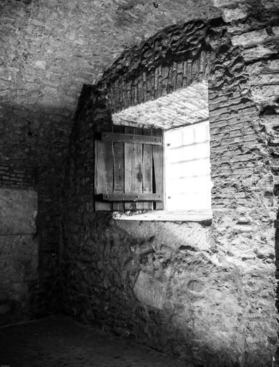 Montefusco Storico Avellino Carcere Borbonico BW_photography Bw Finestra Architecture Built Structure Old Day Window No People Abandoned