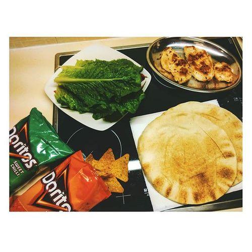 Τι θα φτιαξω παλι γαμω το σπιτι μου; τρωω_σαν_να_χω_μονιμη_σχεση τρωω_σαν_να_μην_υπαρχουν_καθρεφτες τρωω_σαν_να_μην_υπαρχει_παραλια