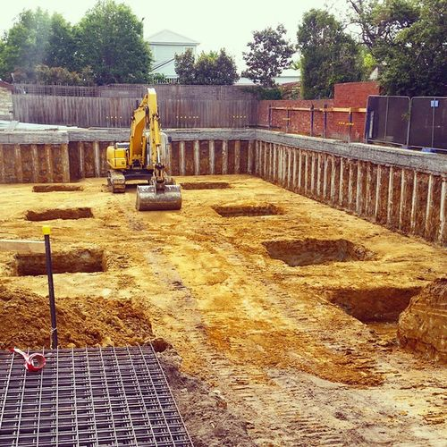 Another basement dig finished Digging Earthmoving Photooftheday Igphotooftheday basement mudstone sh200 clay excavator digger sumitomo dirt dirt dig concrete pad work myjob cleanfill melbourne australia sand brighton