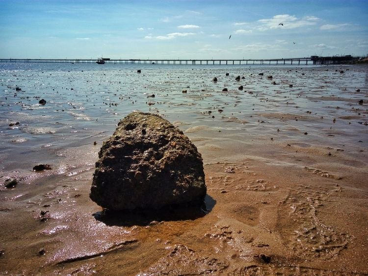 Southend seafront looking on to Southend Pier. British Seaside Seaview Southend Sea View Seaside Seafront Southendonsea Southend On Sea Southend Pier Seascape Pier Beach Rock Sea Texture Textures And Surfaces Surfaces And Textures Tranquility
