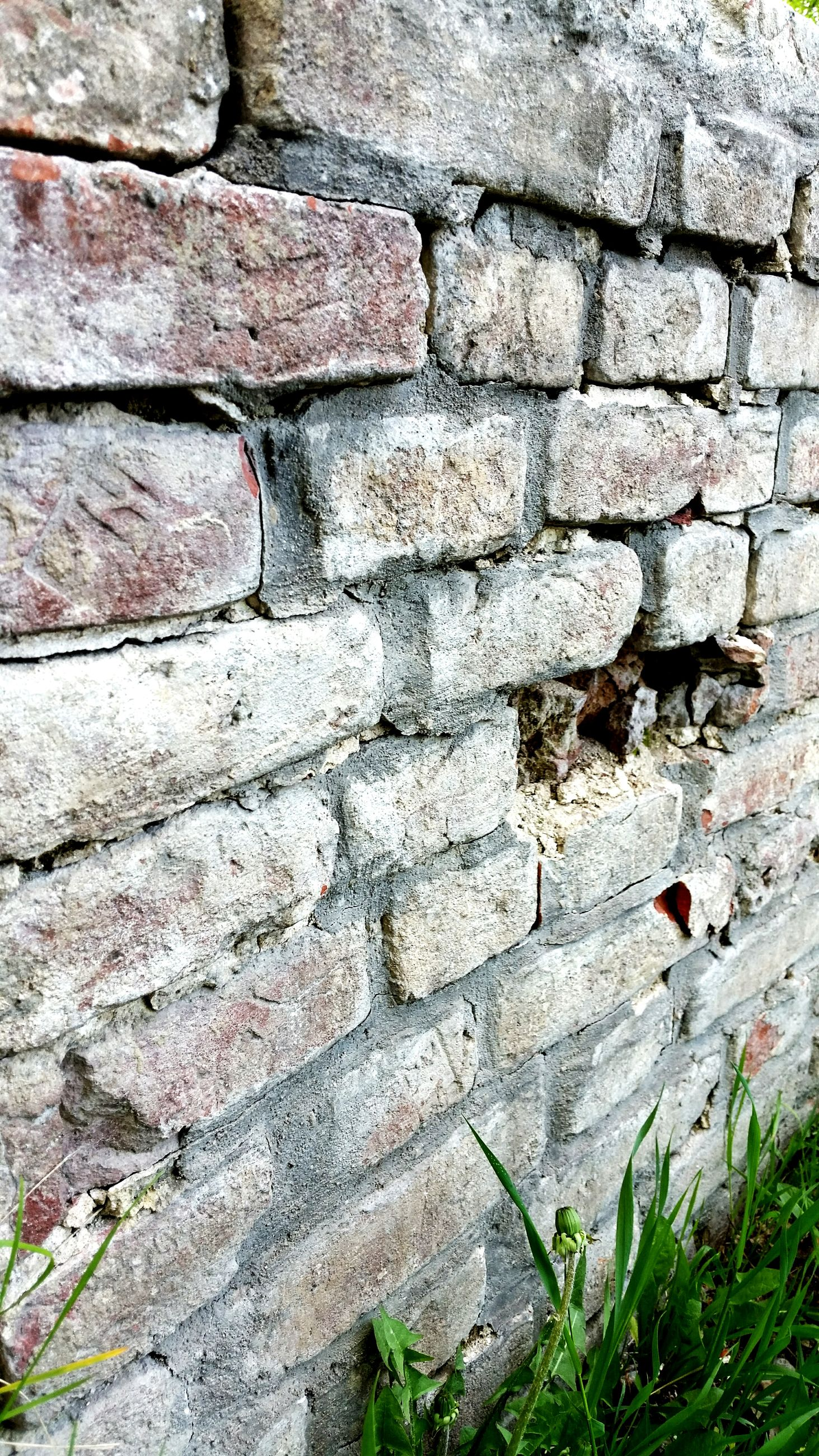 full frame, backgrounds, brick wall, textured, stone wall, wall - building feature, pattern, built structure, architecture, brick, close-up, rough, day, outdoors, weathered, no people, old, wall, building exterior, growth