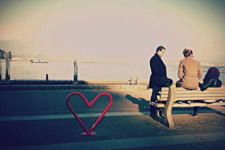 Harbor Wintertime Port Friends Love Chill Seascape People 港 冬の日 日常の一コマ Firends with love. Vancouver