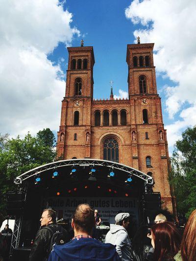 Fest 1.May Festival 1mayis Fest Berlin GERMANY🇩🇪DEUTSCHERLAND@ Deutschland Kirche Garten Leute