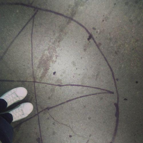 Я тут чутка застрял:с сверхъестественное Пентограмма Кроули перекрёсток Гуляем
