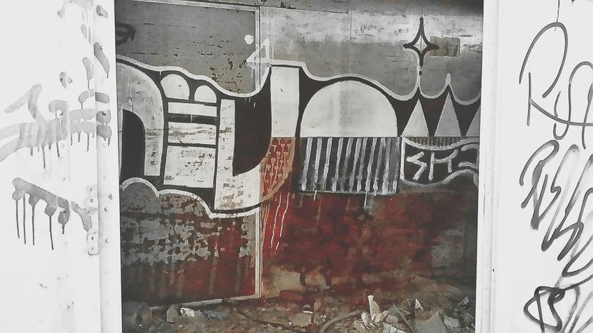 Hidden Places Eyeem-abandonment Urbanexplorer Abandonment_issues Graffiti Creepypasta