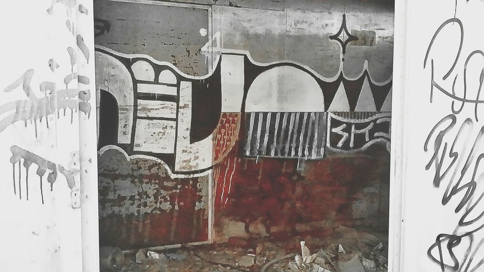 Hidden Places Eyeem-abandonment Urbanexplorer Abandonment_issues Graffiti Creepypasta