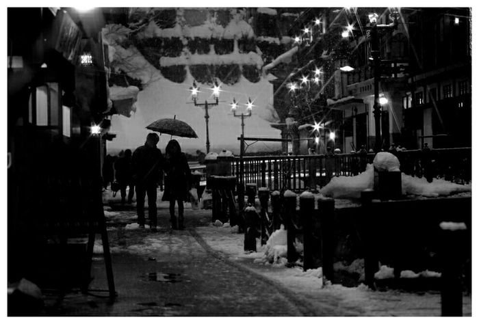 銀山温泉へのいざない。 銀山温泉 YAMAGATA Japan Silhouette Nightphotography Winter EyeEm Nature Lover Monochrome Blackandwhite Night Lights