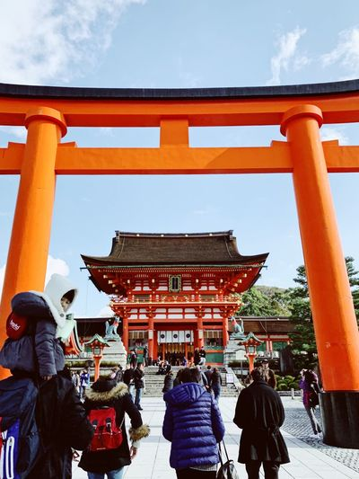 Kyoto ⛩ Kyoto,japan Kyoto OSAKA Japan Travel Destinations Architecture Built Structure Group Of People Real People Women Large Group Of People Building Exterior Religion Place Of Worship Spirituality Outdoors Architectural Column Shrine