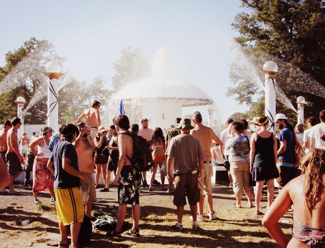 Summer Views Music Festival Bonnaroo Fountain Cooling Off Summertime